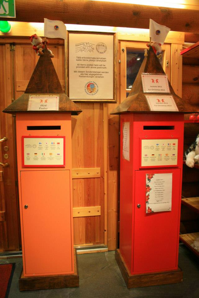 santa claus village post office5